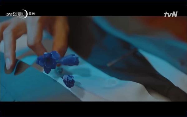 Phim Hotel Del Luna tập 3: IU gặp lại tình đầu sau ngàn năm chờ đợi, chính là Yeo Jin Goo? ảnh 31