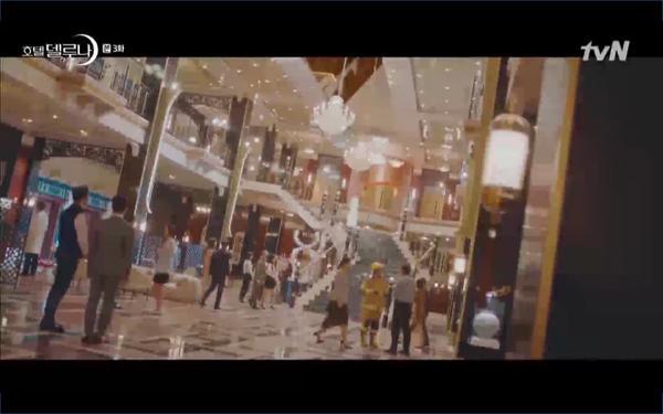 Phim Hotel Del Luna tập 3: IU gặp lại tình đầu sau ngàn năm chờ đợi, chính là Yeo Jin Goo? ảnh 42