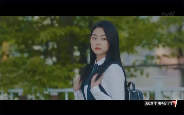 Phim Hotel Del Luna tập 3: IU gặp lại tình đầu sau ngàn năm chờ đợi, chính là Yeo Jin Goo? ảnh 58