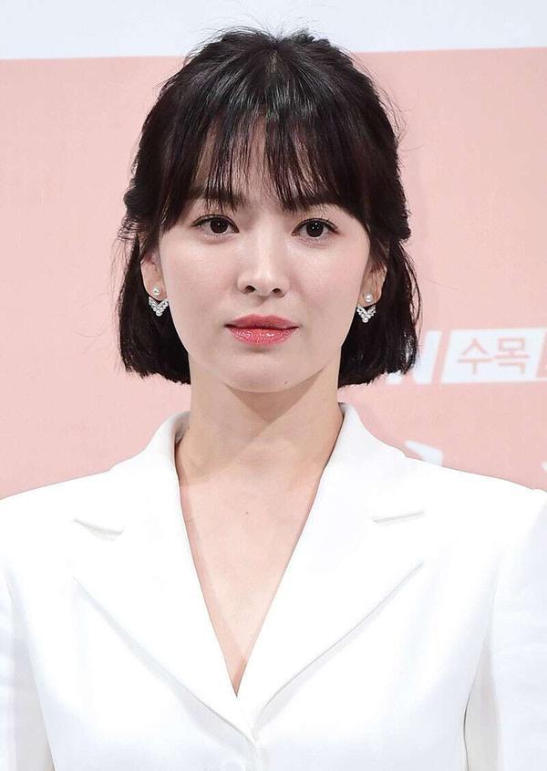 Song Joong Ki và Song Hye Kyo hoàn tất thủ tục, chính thức  ly hôn vào hôm nay (22/07), kết thúc 1 năm 8 tháng tình vợ chồng ảnh 5