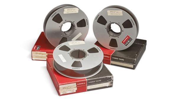 3 cuộn băng ghi hình chuyến bay lịch sử lên Mặt Trăng của tàu Apollo 11.