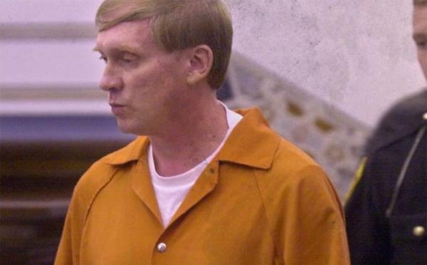John Smith vẫn chối bỏ mọi sự liên quan đến cái chết của Janice và Fran trong thời gian hầu tòa.