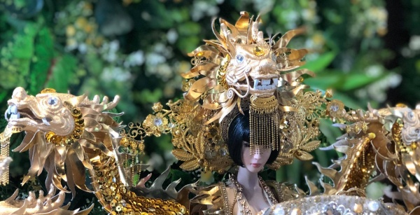 """Một phần thiết kế National Costume """"Vùng đất chín rồng"""" gây bất ngờ lớn khi thành hình quá hoành tráng và đẹp mắt."""