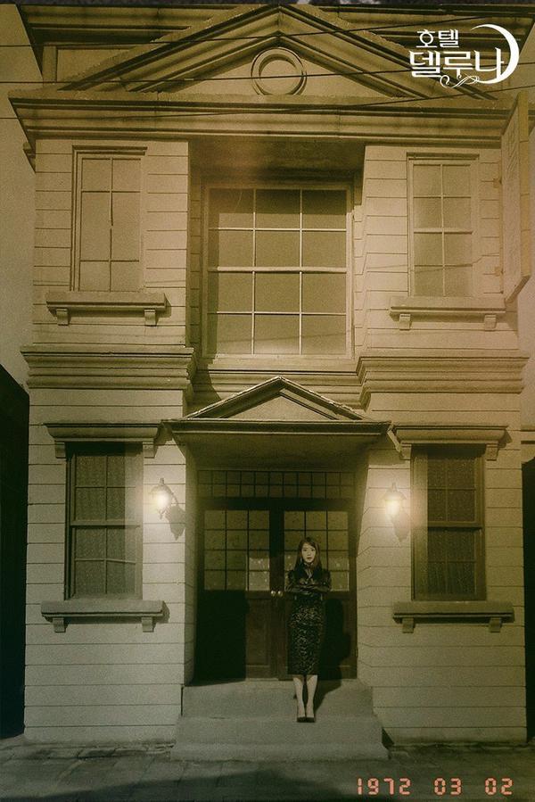 Bấn loạn với bộ ảnh đẹp nao lòng của IU trong Hotel Del Luna ảnh 9