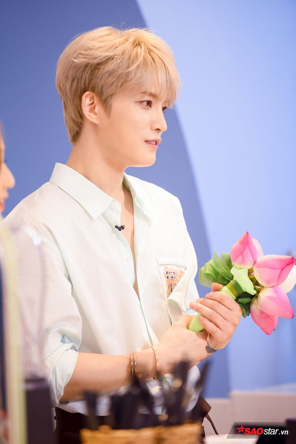 Góc nghiêng thần thánh nhan sắc của Kim Jae Joong