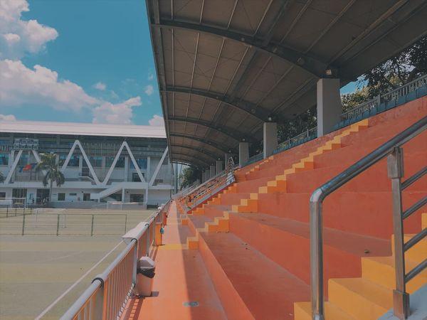 Một góc sân vận động hiện đại tại trường Đại học Tôn Đức Thắng.