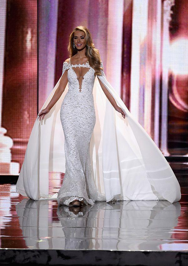"""""""Nữ thần, công chúa, thiên thần"""" là những mỹ từ fan dùng để miêu tả hình ảnh của Á hậu 2 Miss Universe 2015 tức Hoa hậu Mỹ 2015."""