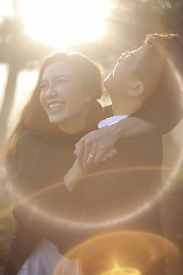 Tan chảy con tim trước tình yêu của các cặp đôi LGBT nữ nổi danh ảnh 5
