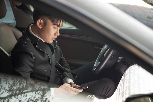Phân cảnh Dương Triệu Vũ gọi điện cho vợ sắp cưới được hé lộ trong teaser trước đó.