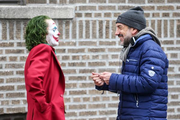 Đạo diễn Todd Phillips (bên phải) cùng nam diễn viên Joaquin Phoenix (bên trái)