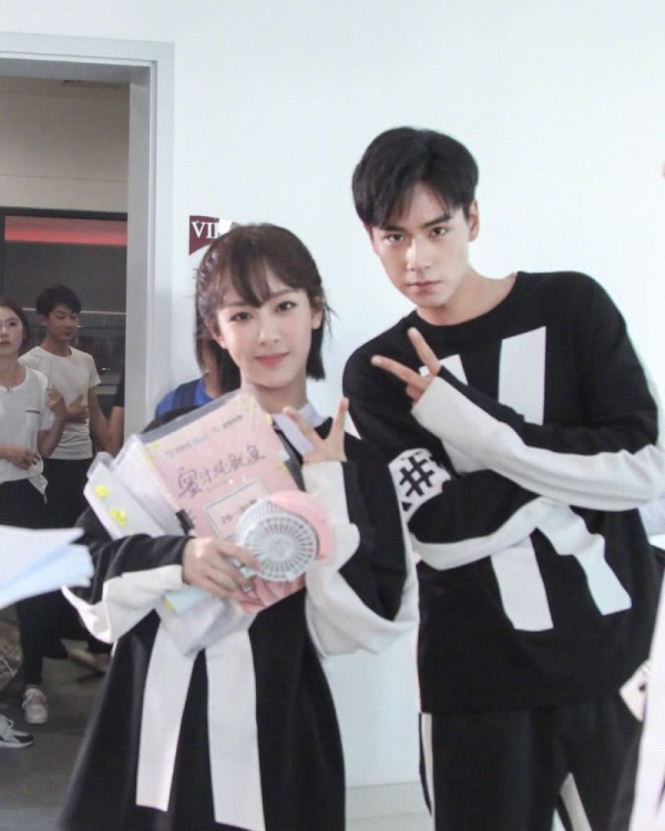 Từ vị trí người mẫu của Taobao trở thành minh tinh: Hứa Khải lên bảng vàng, Hoàng Cảnh Du trở thành diễn viên hạng A ảnh 1