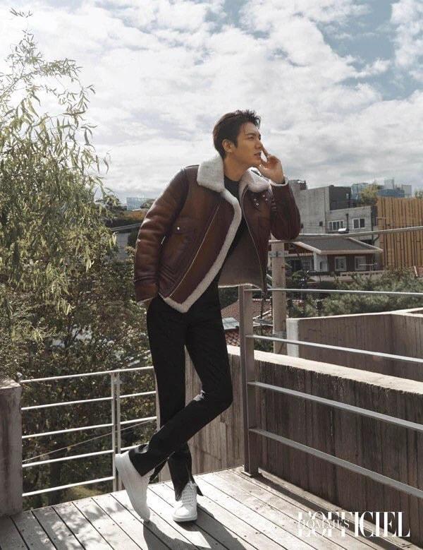 Trước đó, Lee Minho đã xuất hiện trên trang bìa của tạp trí dành cho nam giới L'Officiel Homme YK edition hớp hồn bao nhiêu khán giả nữ