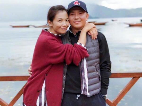 Bao năm đứng ra trả nợ thay chồng, Lưu Đào bị người bạn đời xóa hết ảnh chung lại còn gánh thêm 130 tỷ đồng? ảnh 0