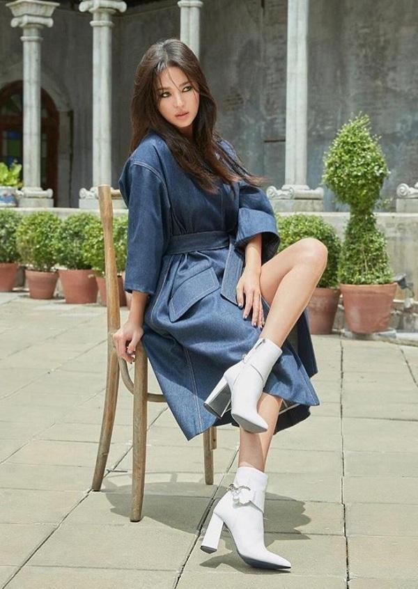 Vợ cũ Song Joong Ki làm mẫu cho thương hiệu mà cô hợp tác ra mắt với giới mộ điệu