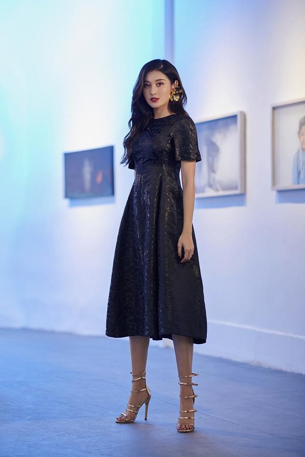 """Những gợi ý váy vóc từ Huyền My sẽ là tips mặc đẹp cho các chị em gái """"trẩy hội"""" vào dịp 20/10 sắp đến"""