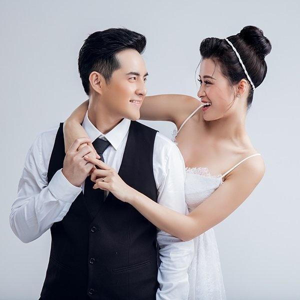 """Khách mời """"hát đám cưới"""" của Đông Nhi và Ông cao thắng là điều rất được quan tâm."""