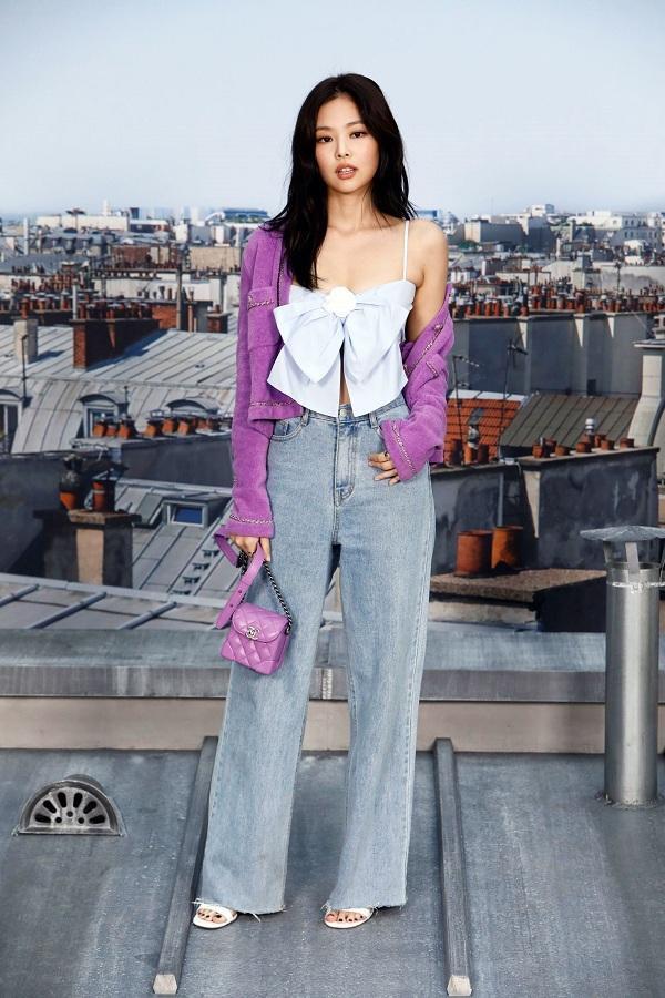 Jennie thành công khi hình ảnh set đồ cô mặc đến từ BST mới nhất của nhà mốt Pháp phủ sóng khắp mạng xã hội