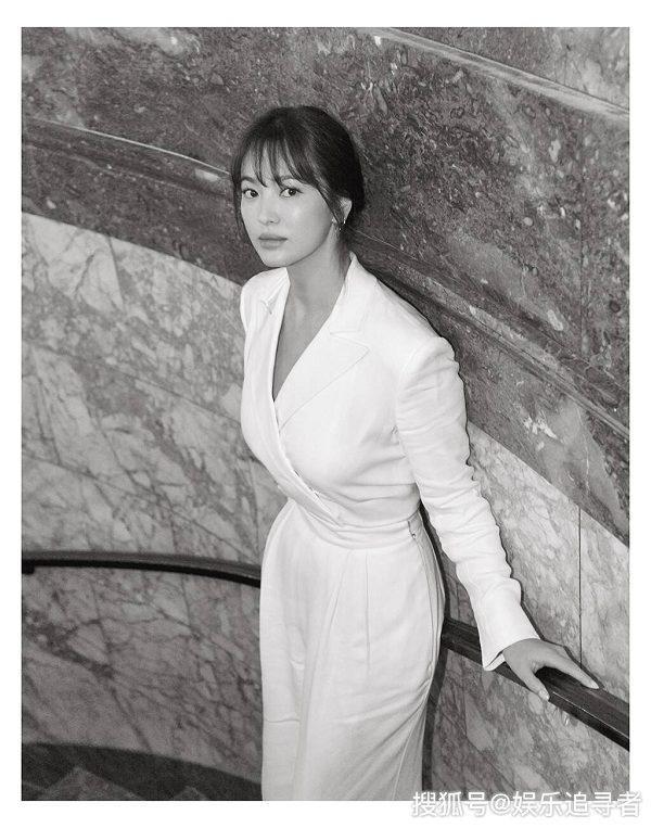 Hình ảnh trong trẻo mong manh của vợ cũ Song Joong Ki