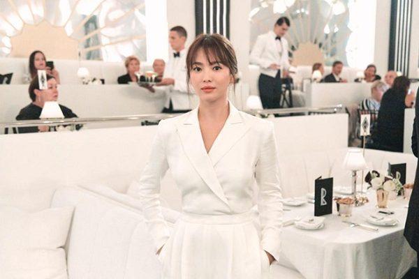 Song Hye Kyo với style sương sương khi tham dự New York Fashion Week hồi tháng 9 vừa qua