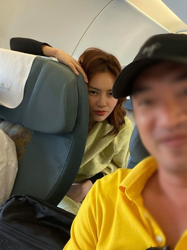 Để mặt mộc tại sân bay: Nhã Phương, H'Hen Niê tưởng đẹp nhất nhưng vẫn thua mỹ nhân này ảnh 8