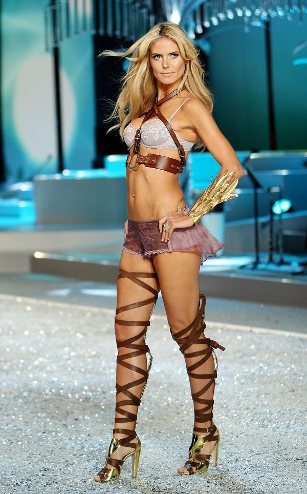 Không những đẹp và duyên dáng trong cách ăn nói, Heidi còn luôn làm thêm cả màn MC khi dẫn chương trình cho show Victoria's Secret và nhờ chính cô mà rating xem show cao kinh khủng trong các năm 2006, 2007, 2008 và 2009