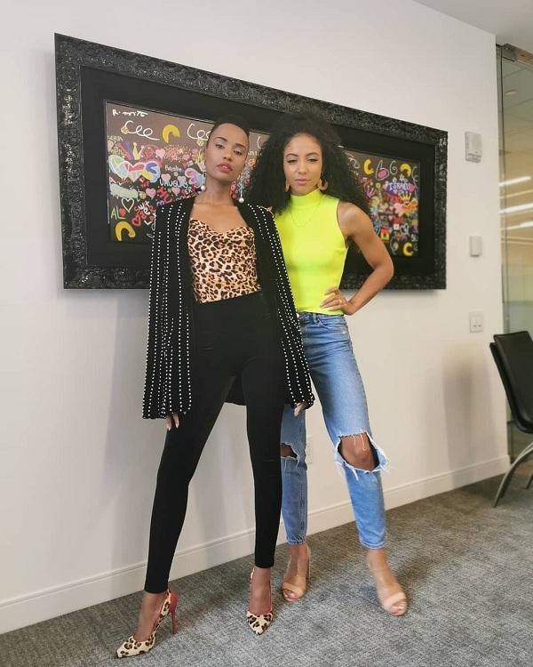 Gu thời trang của mỹ nhân Nam Phi rất đa dạng không theo một khuôn khổ nào, các trang phục matcy-matchy da beo từ áo đến giày cao gót được cô mix sành điệu với set đồ đen đi kèm