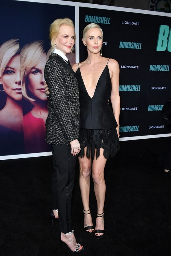 """Nicole Kidman chọn phong cách menswear trong khi đó """"người tình tin đồn"""" của Bradd Pitt lại vô cùng quyến rũ với áo đầm hai dây xẻ ngực sâu"""