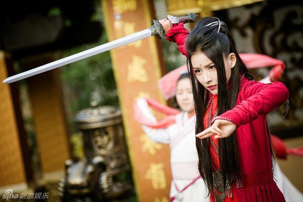 Các nữ bổ khoái tài giỏi trong phim truyền hình Trung Quốc: Không phải ai cũng lầy lội như Viên Kim Hạ trong 'Cẩm Y Chi Hạ' ảnh 9