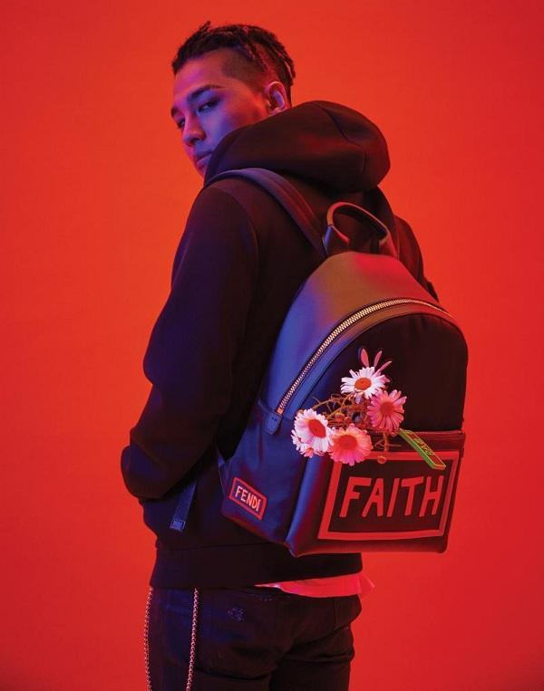 Đây là một sự kết hợp đặc biệt giữa những thiết kế ở bộ sưu tập của Fendi và những họa tiết mang dấu ấn đặc trưng của TaeYang.