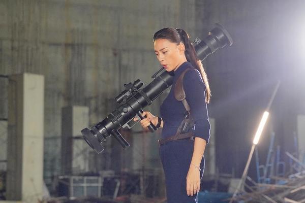 Một số hình ảnh hậu trường mới được đoàn phim công bố.