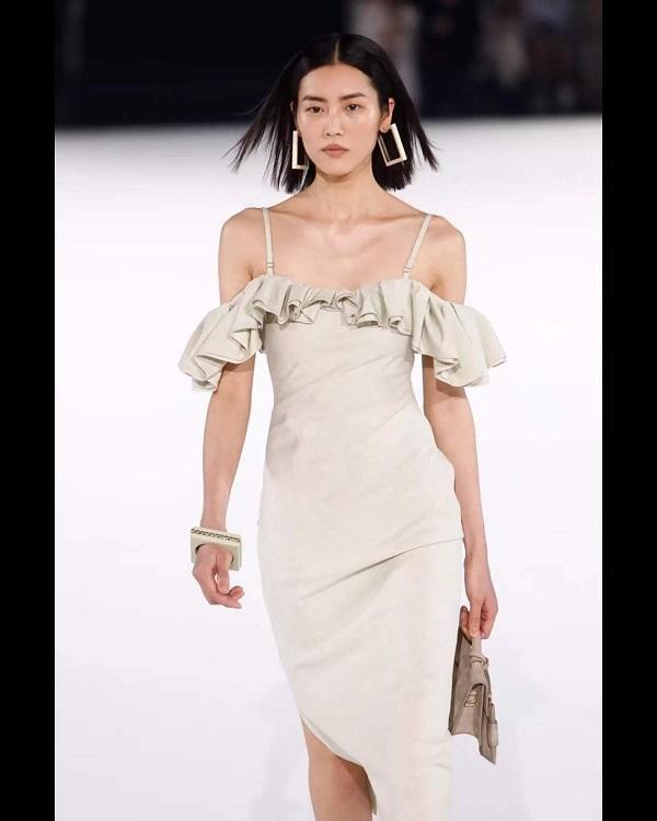 Trong show còn có sự xuất hiện của chân dài Châu Á Liu Wen