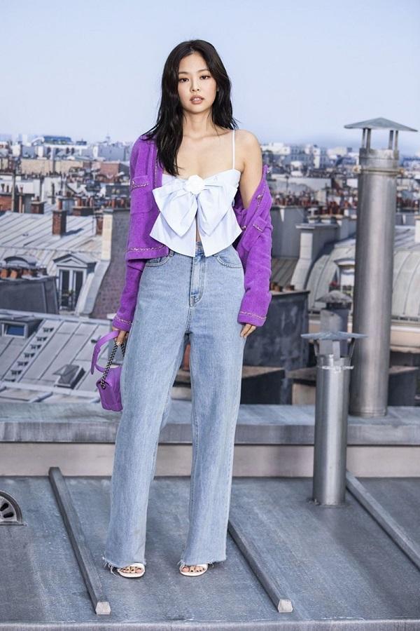 Jennie từng gây sốt với set đồ này khi tham dự Tuần lễ thời trang Paris hồi năm ngoái khi cô xuất hiện tại show Chanel