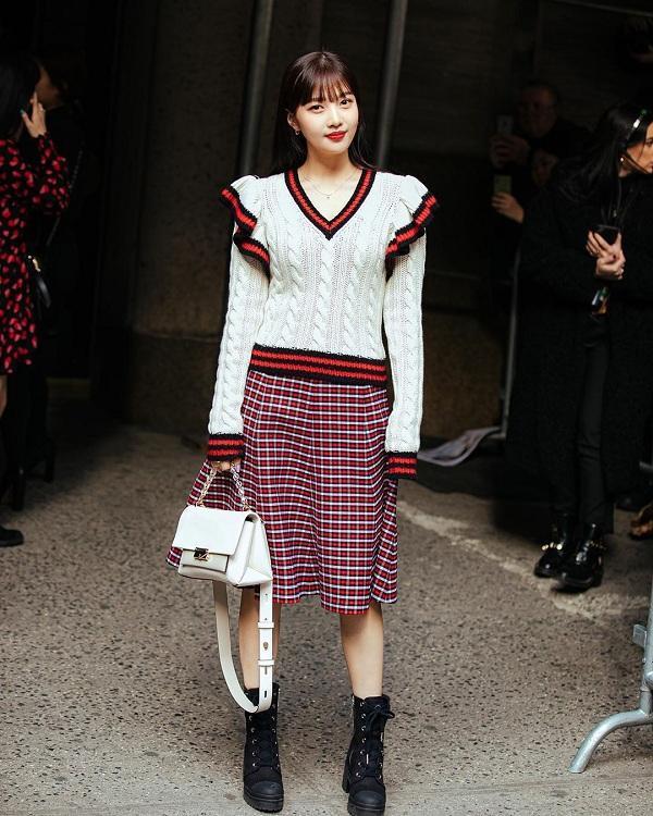 Visual của Joy Red Velvet tham dự Tuần lễ thời trang quốc tế trông có phần bị dìm và không nổi bật