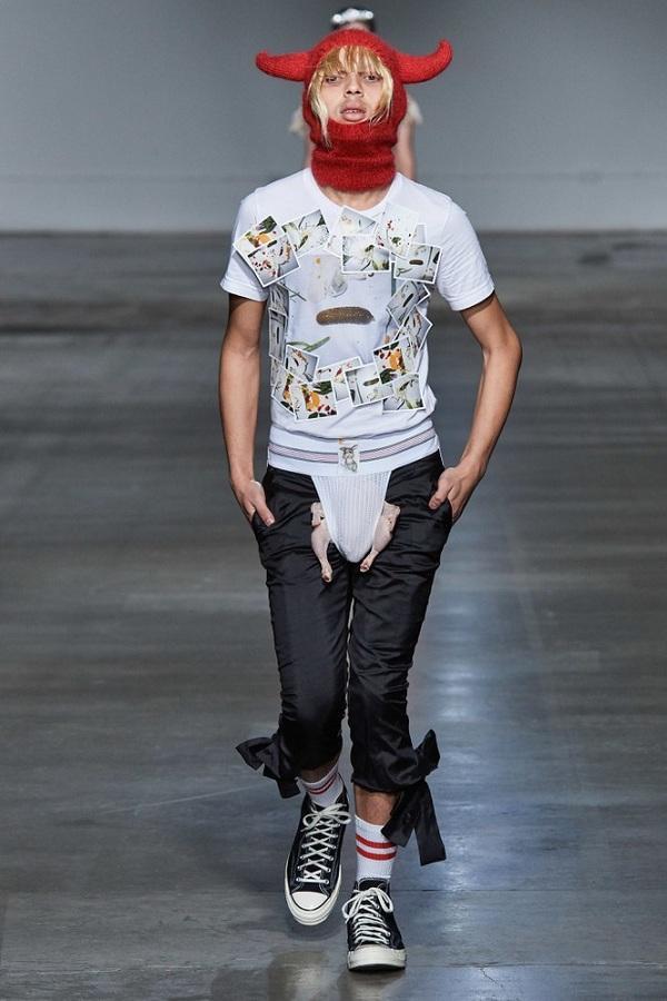 Thương hiệu Fashion East khiến khán giả xem show hoảng hồn khi mẫu nam mặc nội y và gà sống
