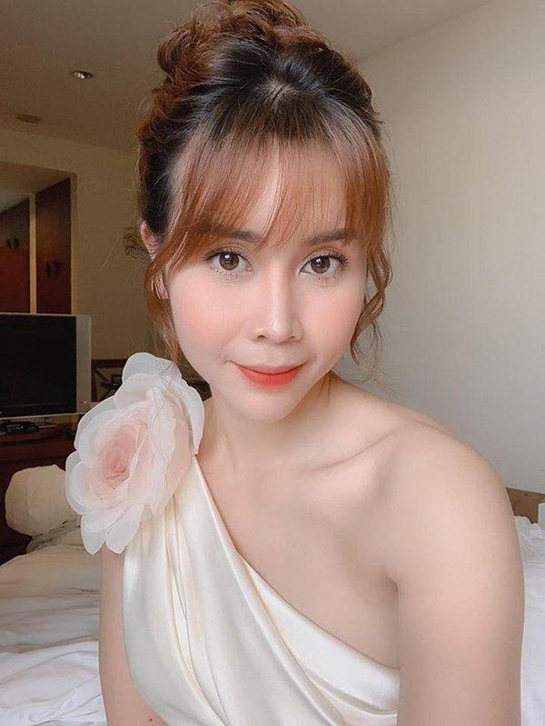 Vẻ đẹp tươi trẻ hiện tại chẳng thua kém mỹ nhân Hàn của mẹ 2 con Lưu Hương Giang