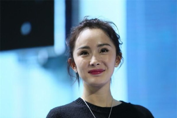 Giật mình vì làn da sần sùi của Triệu Vy, Châu Tấn, Dương Mịch, đời không như ảnh bìa tạp chí! ảnh 8