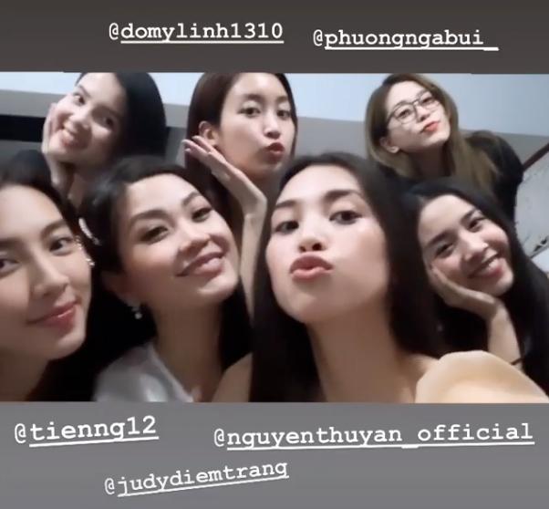 Hội mỹ nhân Hoa hậu Việt Nam hội ngộ, vui đùa cùng nhau.