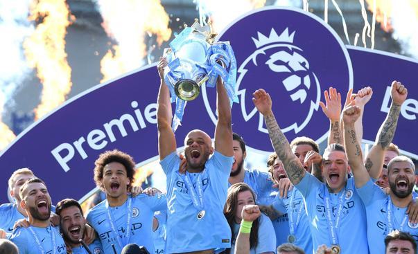 Man City thắng đậm Brighton với tỉ số 4 - 1 mặc dù đã để dẫn bàn từ trước.