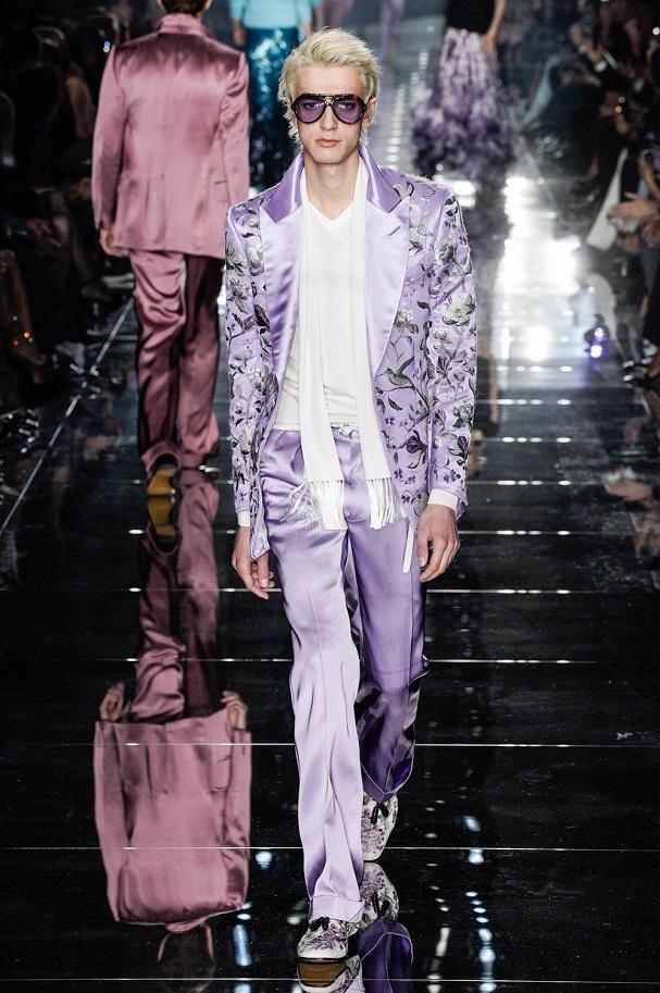Sắc tím và hồng nổi bật trong các kiểu suit dành cho đàn ông trong BST mới của NTK người Mỹ