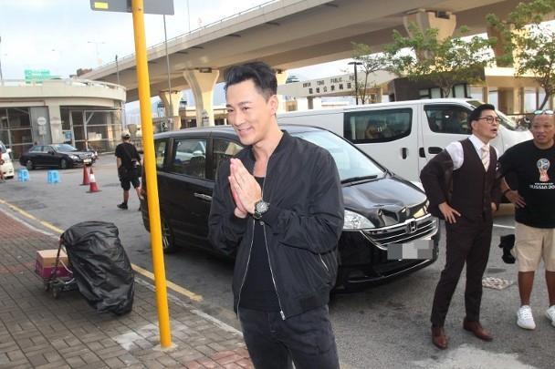 Lâm Phong quay lại phim trường sau tin kết hôn, vui vẻ trả lời khi phóng viên hỏi chuyện đám cưới ảnh 8