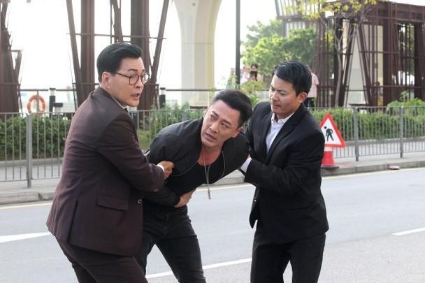Lâm Phong quay lại phim trường sau tin kết hôn, vui vẻ trả lời khi phóng viên hỏi chuyện đám cưới ảnh 5