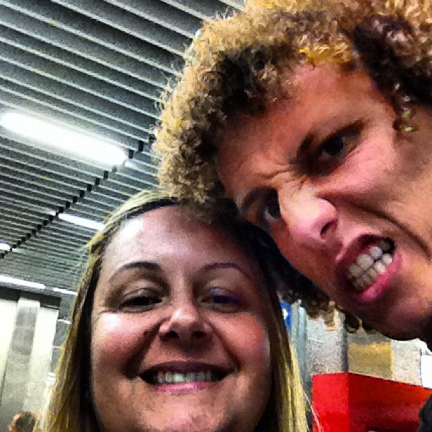 """Mẹ David Luiz là người rất """"cục súc""""."""