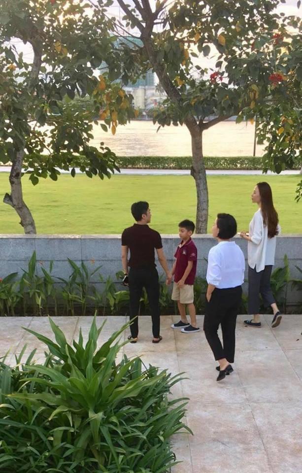 """Gần đây, hình ảnh được cho là Cường Đô La cùng con trai Subeo và bạn gái Đàm Thu Trang đi xem nhà càng thêm phần xác định đám cưới tổ chức vào năm 2019 dù đang vướng vào rất nhiều """"lùm xùm"""" từ dư luận."""