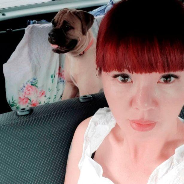 Alyona Makhova, một người bạn của Alla, đã đưa Maru về thành phố Novosibirsk.