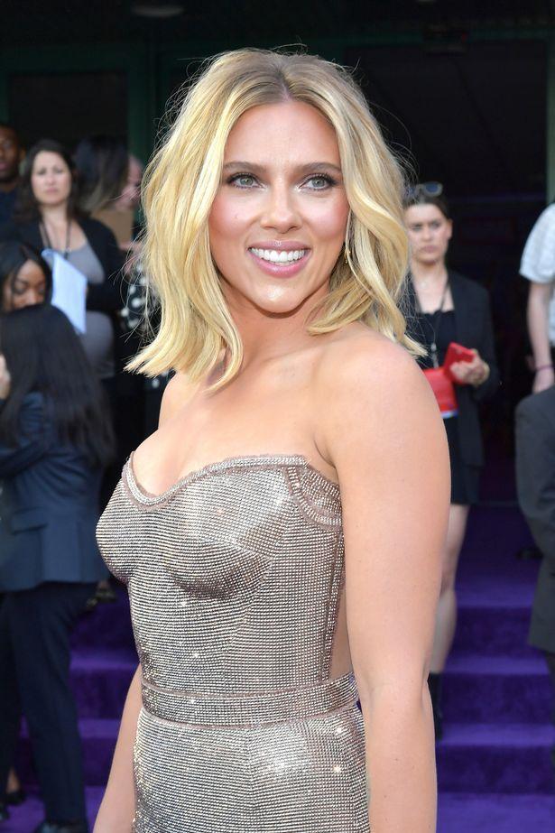 Cô đào quyến rũ tóc vàng Scarlett Johansson
