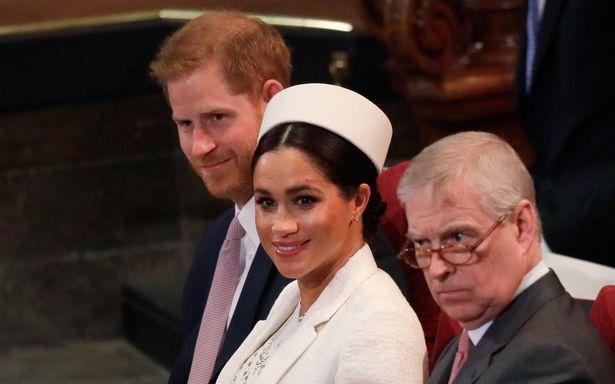 Vợ chồng Hoàng tử Harry và Hoàng tử Andrew trong một sự kiện.