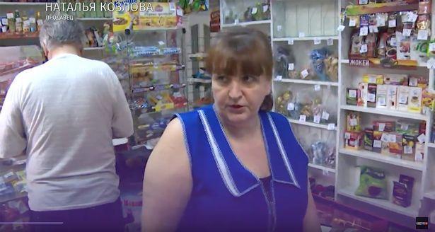 Natalia Kozlova đã giúp nạn nhân rửa vết thương.