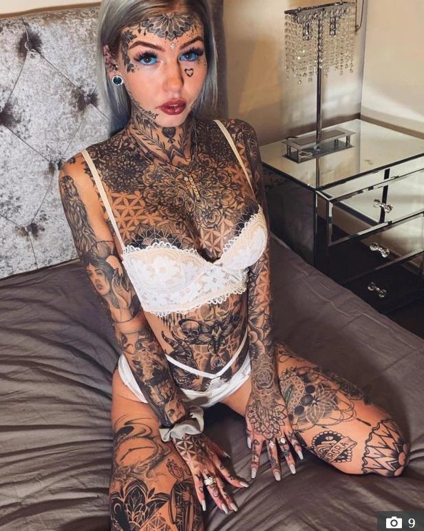 Amber đã có 200 hình xăm trên cơ thể (Nguồn: amber__luke@instagram)