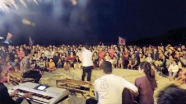 Câu lạc bộ Bolero Sài Gòn biểu diễn ở Cù Lao Chàm (Hội An).