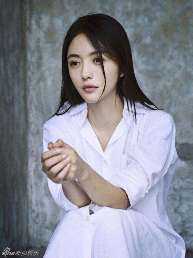 Thái Văn Tĩnh (vai bác sĩ Bạch Hân Hân) - nữ diễn viên trẻ triển vọng của Cbiz